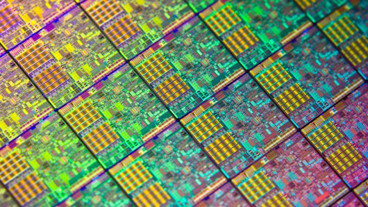 Cum functioneaza microprocesoarele?