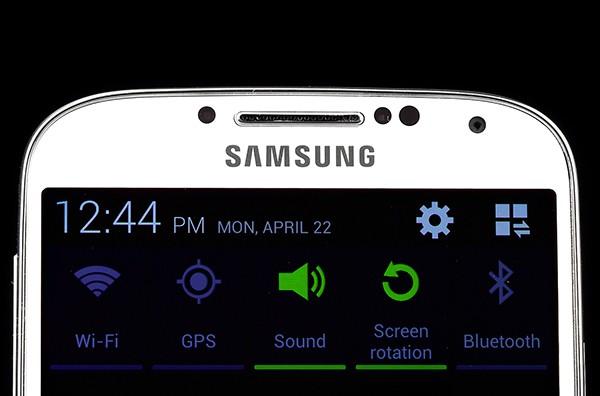 Samsung Galaxy S5 se pregateste sa devanseze iPhone